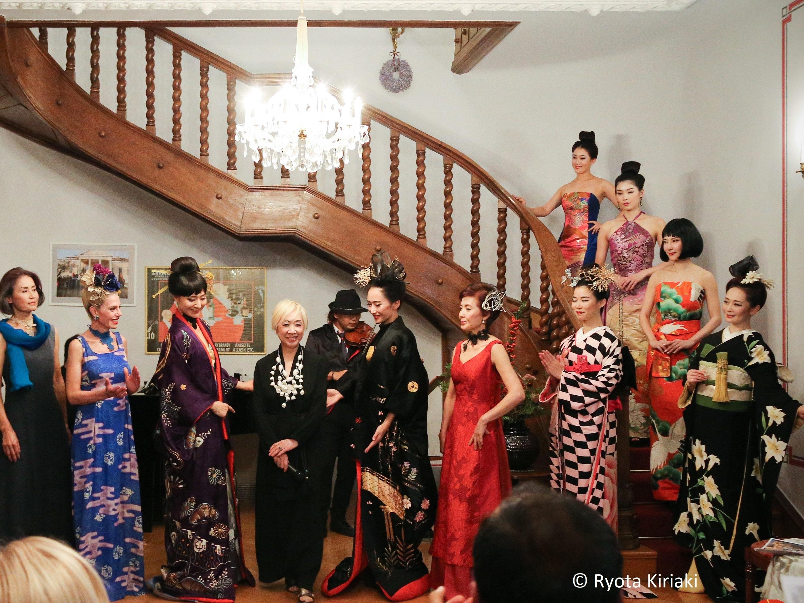 japán nő találkozó)